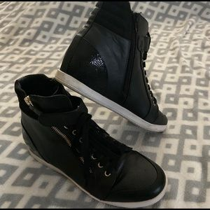 JustFab Black Hightop Fashion Sneakers 9-9.5